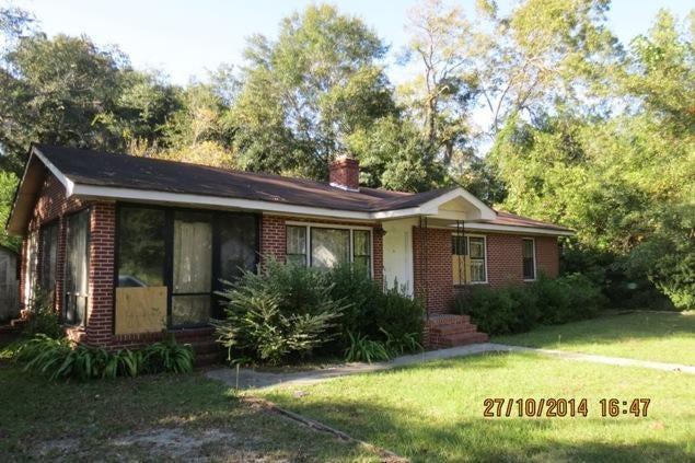 124 S Lemacks Street Walterboro, SC 29488