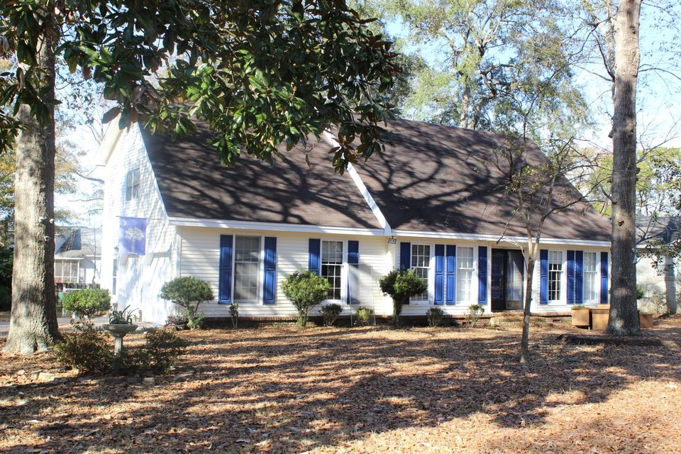 5920  Commonwealth Circle Hanahan, SC 29410