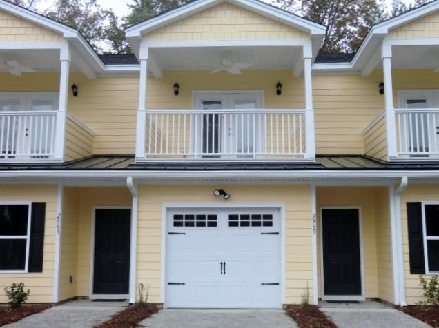 2992  Emma Lane Mount Pleasant, SC 29466