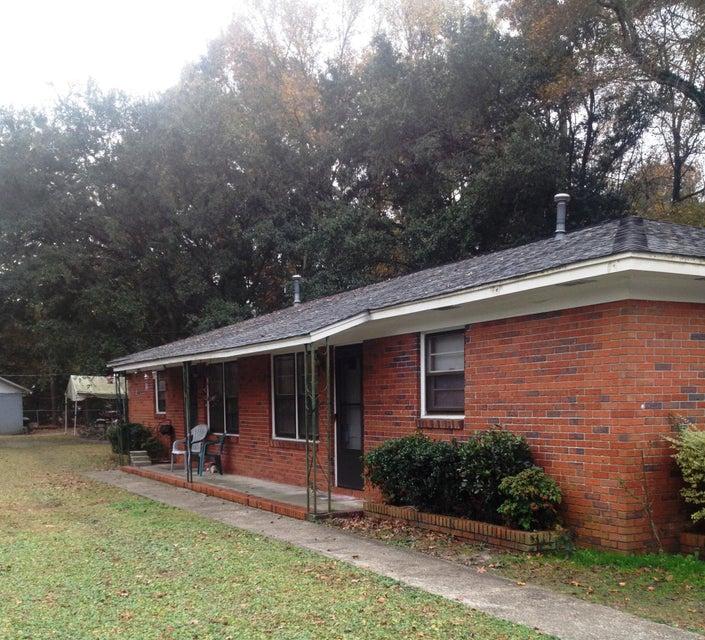 1527  Joan Street Charleston, SC 29407