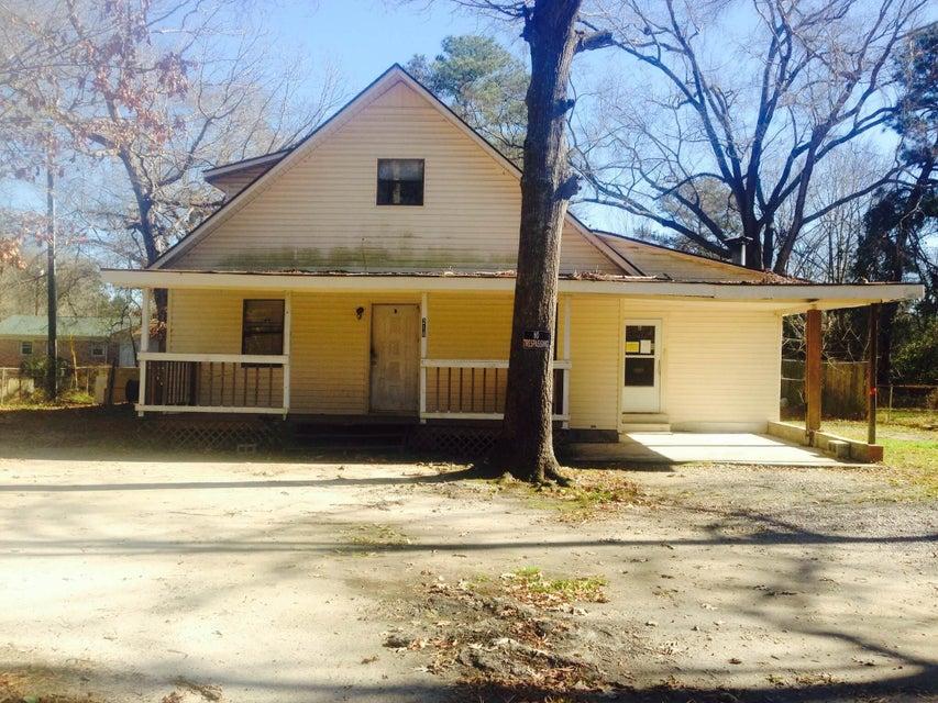 218  Jean Wells Goose Creek, SC 29445