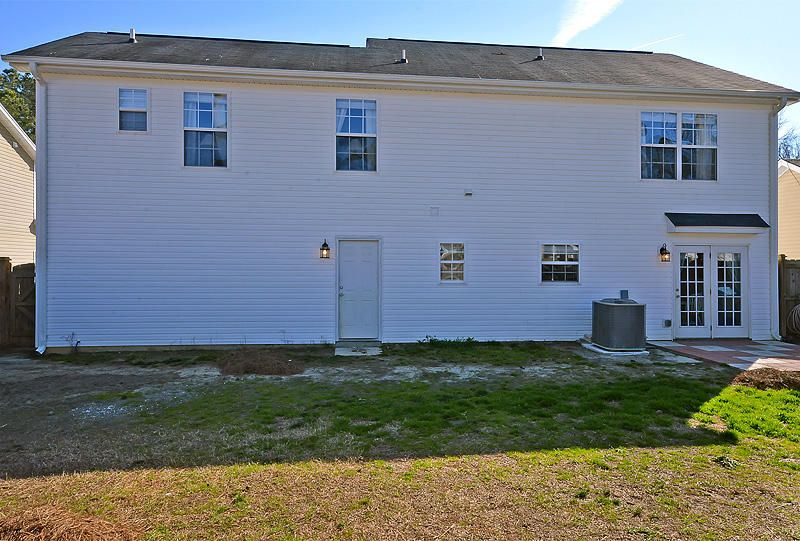 243  Trickle Dr Summerville, SC 29483