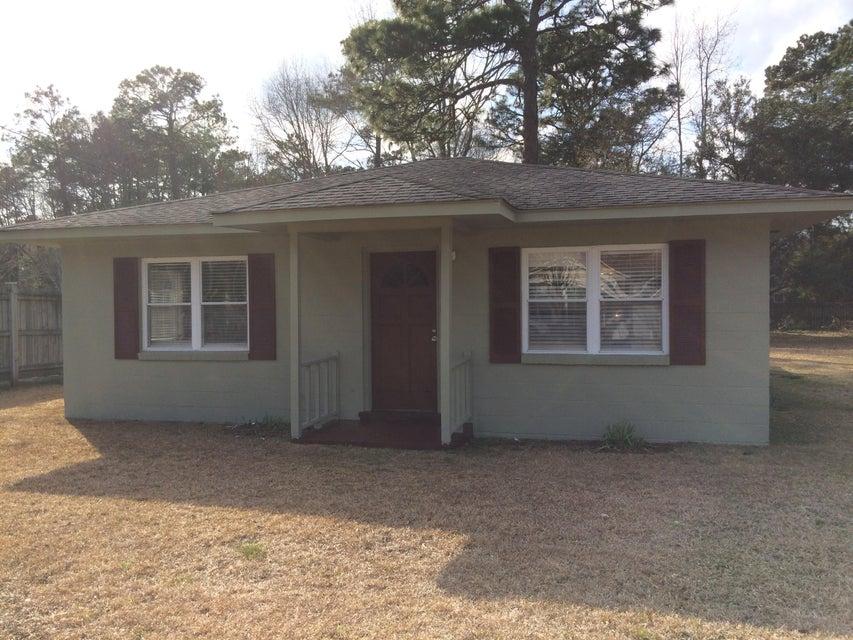 206  Pinewood Drive Summerville, SC 29483