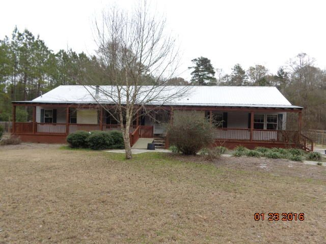 7210  Parkers Ferry Road Adams Run, SC 29426