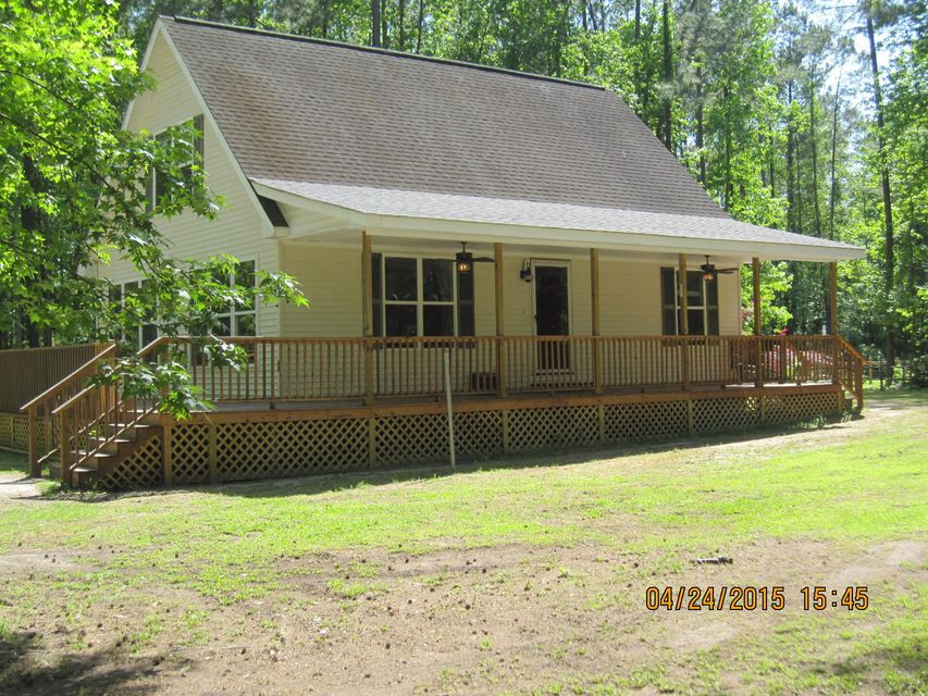 69  Nuthatch Lane Cottageville, SC 29435