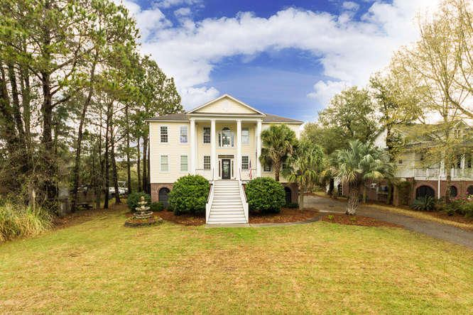 674 Fishermans Bend Mount Pleasant, SC 29464
