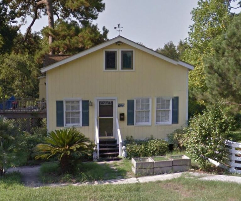 1025  Buist Avenue North Charleston, SC 29405