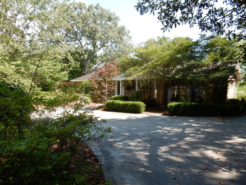 2047  Woodland Shores Road Charleston, SC 29412