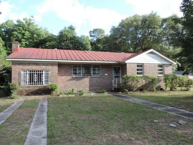 1743  Lady Ashley Street James Island, SC 29412