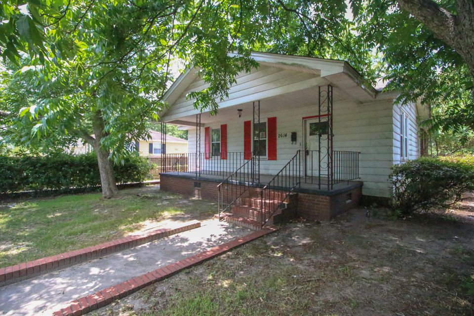 2614  Woodlawn Avenue North Charleston, SC 29405