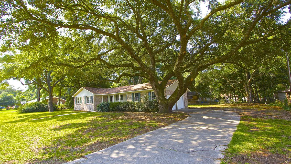 1323  Julian Clark Road Charleston, SC 29412