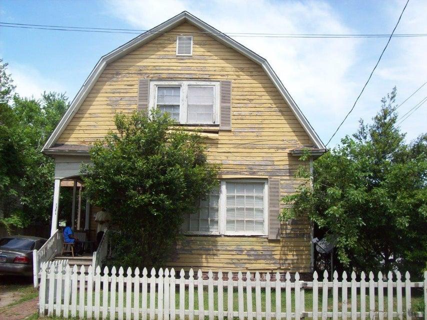 1900  Calvert Street North Charleston, SC 29405