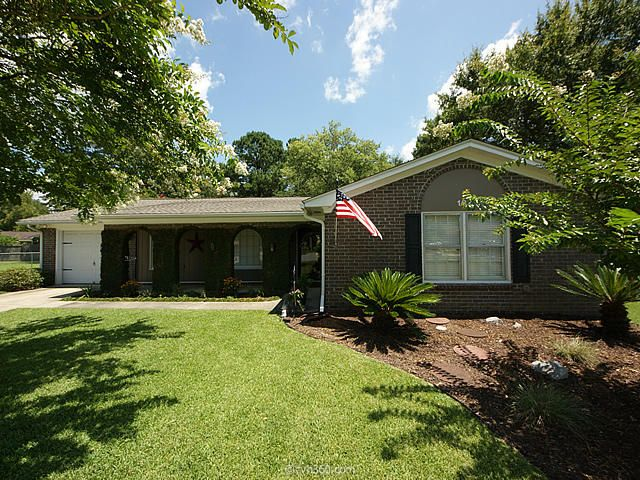 107  Hampton Court Goose Creek, SC 29445