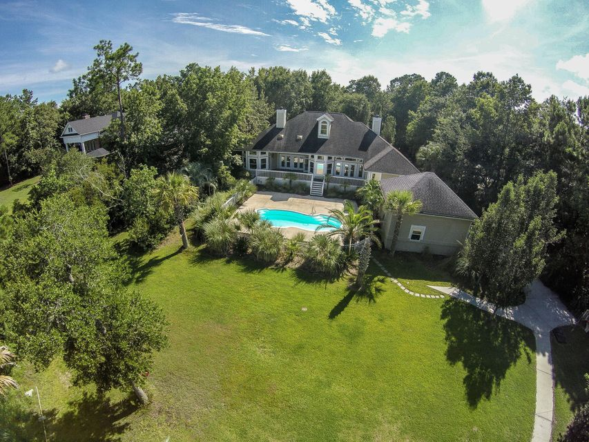 3233 Cottonfield Drive Mount Pleasant, SC 29466