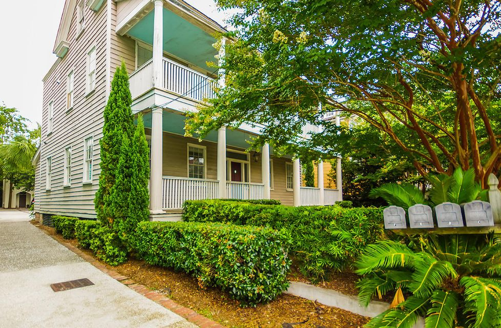 152 Spring Street Charleston, SC 29403