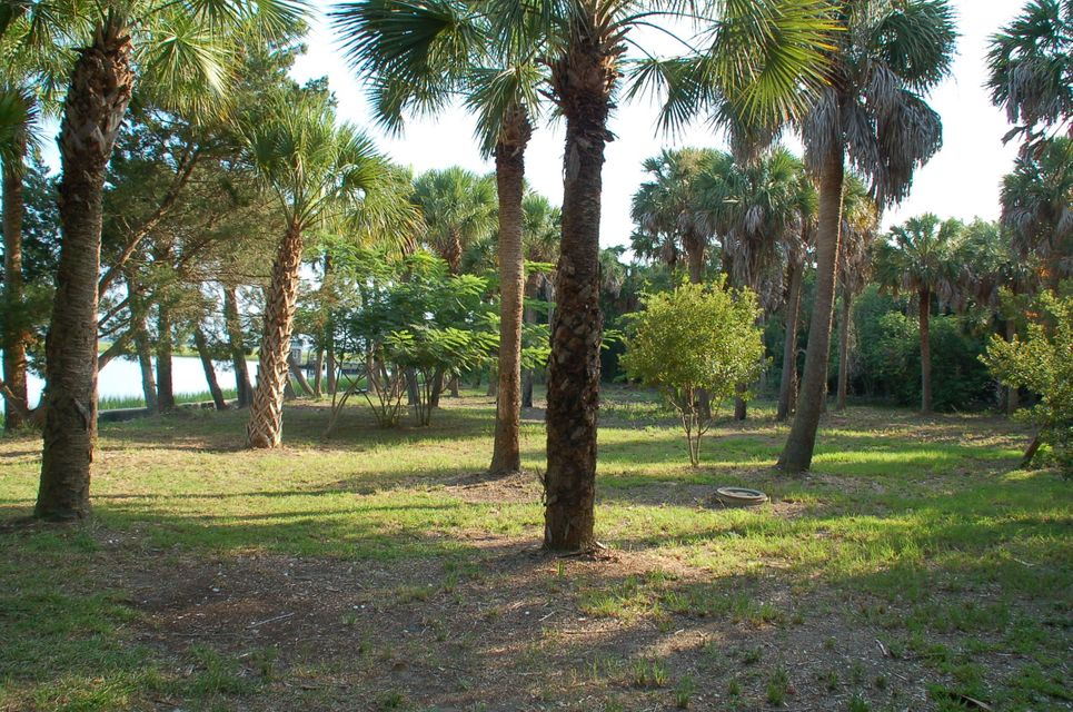 2330  Captain John Hutt Road Isle Of Palms, SC 29451