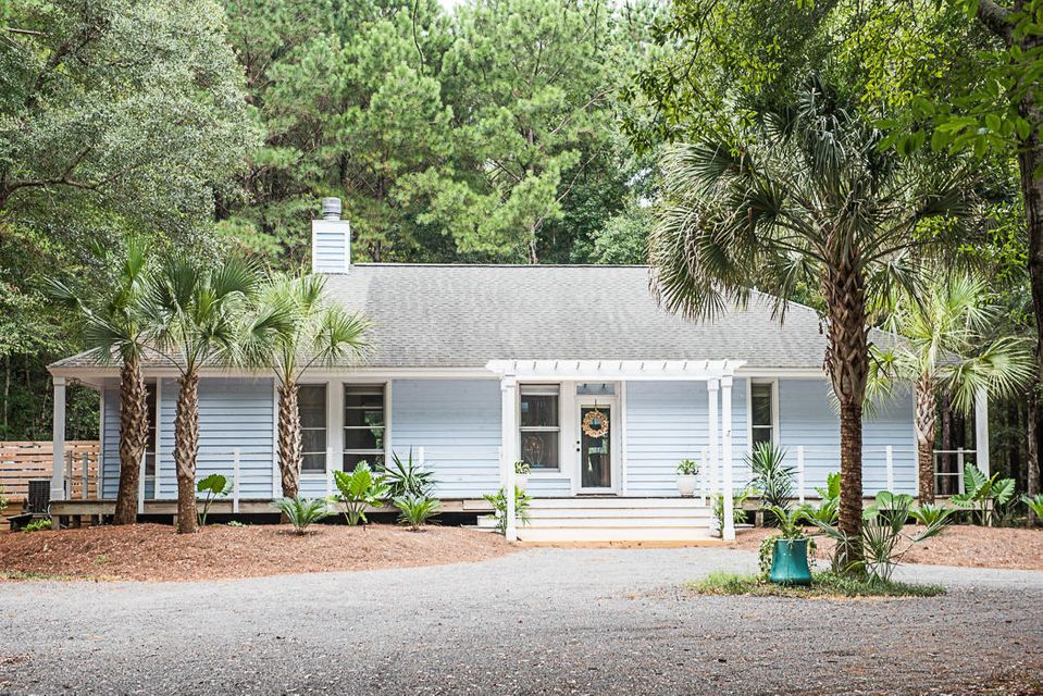 6136  Caravelle Court Awendaw, SC 29429