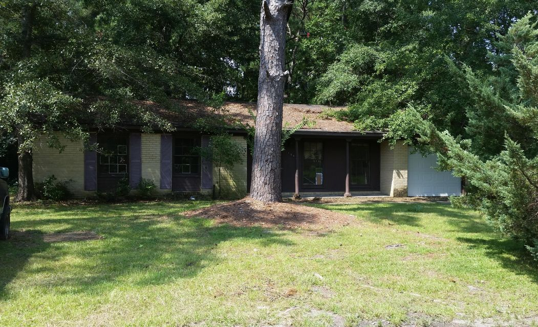 104  Lionel Lane Summerville, SC 29483