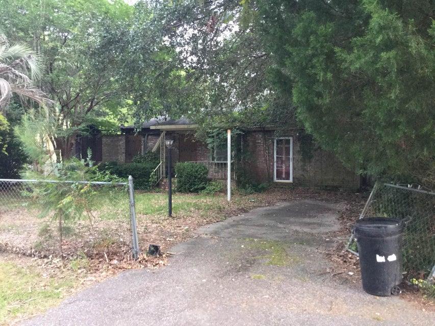 778  Hoss Road Charleston, SC 29414