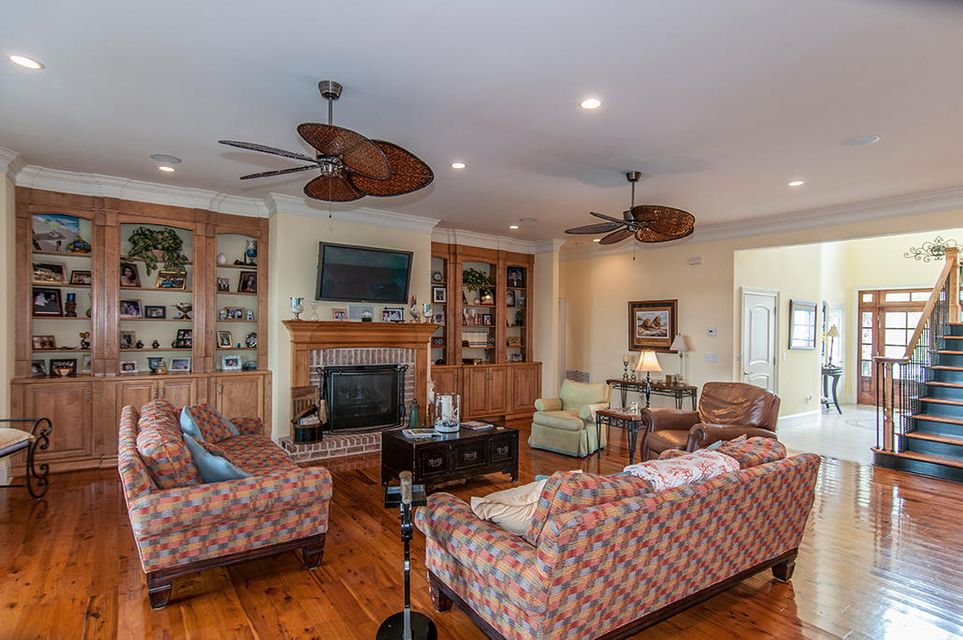 2236  Hartfords Bluff Circle Mount Pleasant, SC 29466