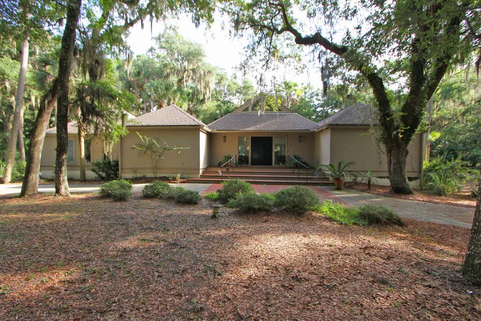 3302  The Lookout Seabrook Island, SC 29455