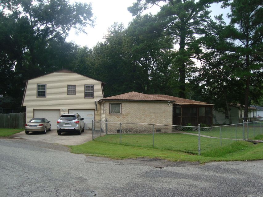 135 Stratton Drive North Charleston, SC 29420