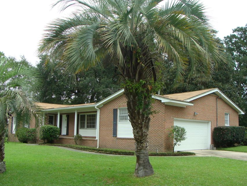 1630 Holton Place Charleston, SC 29407