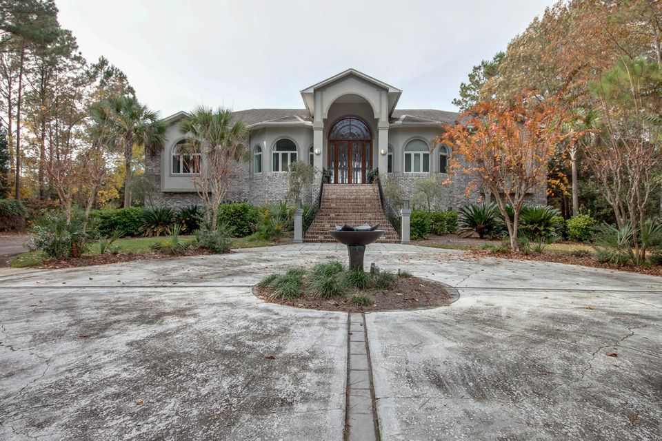 3016 Pignatelli Crescent Mount Pleasant, SC 29466