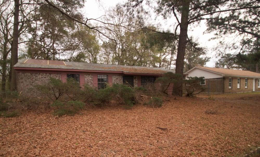 8740  Bucknell Drive North Charleston, SC 29406