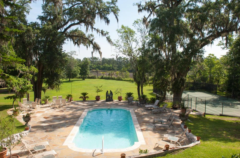 160  Joseph Lane Summerville, SC 29485