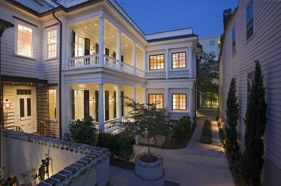 8 Vanderhorst Street Charleston, SC 29403