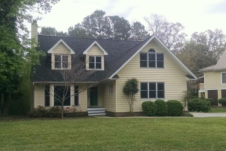 672  Leader Lane Mount Pleasant, SC 29464