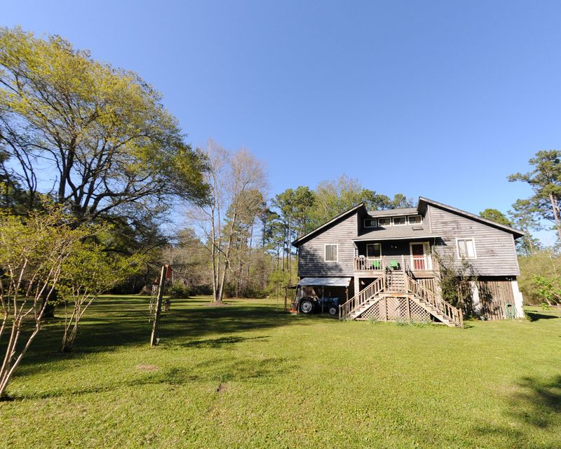 1411 Lineberry Lane Mcclellanville, SC 29458