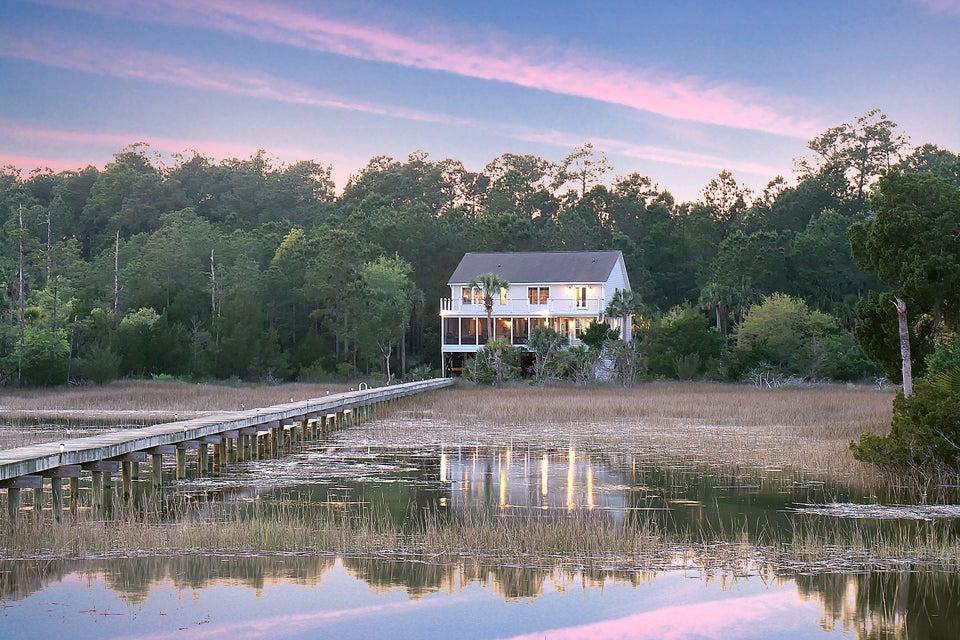 1854 Peaceful Way Mount Pleasant, SC 29464