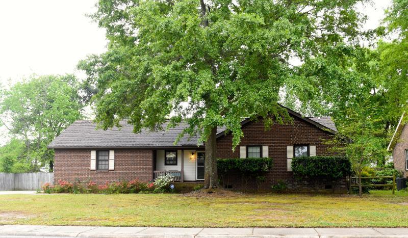 2499 Greenridge Road North Charleston, SC 29406