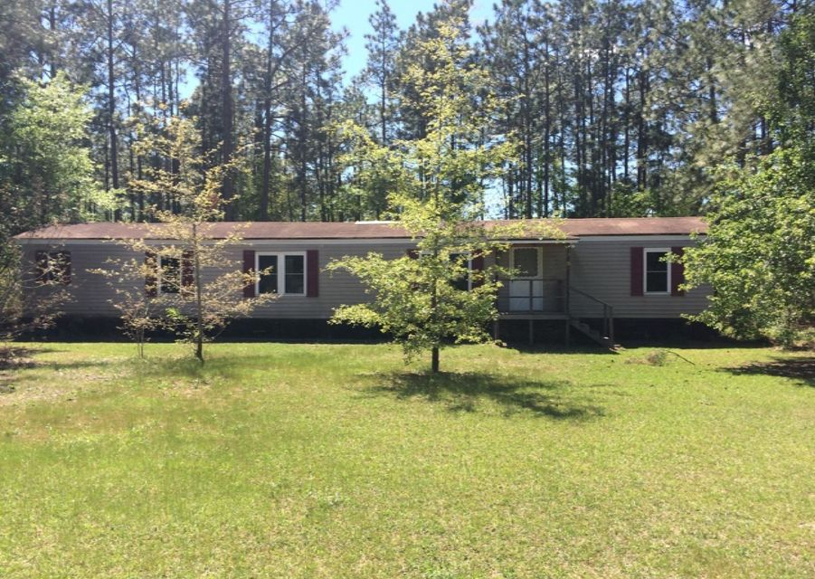 525  Helmet Avenue Cross, SC 29436