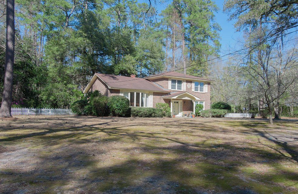 546 Simmons Avenue Summerville, SC 29483
