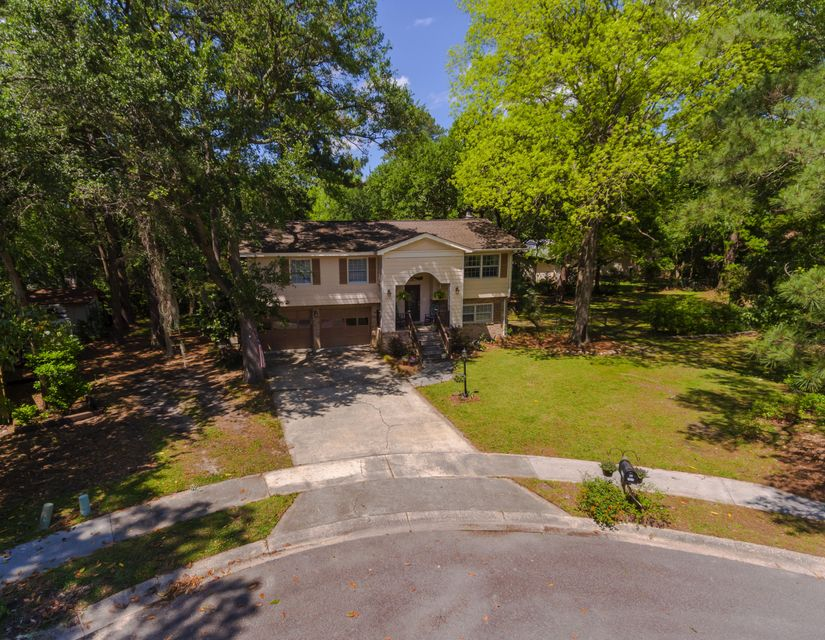 1829 Banbury Court Charleston, SC 29414