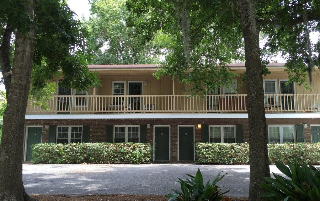 84  Ashley Hall Plantation Road Charleston, SC 29407