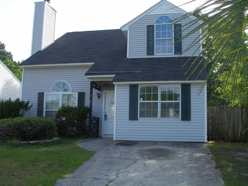 8207  Quail Hollow Court North Charleston, SC 29420