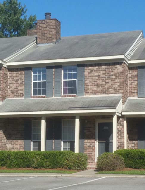 206  Sandlewood Drive Summerville, SC 29483