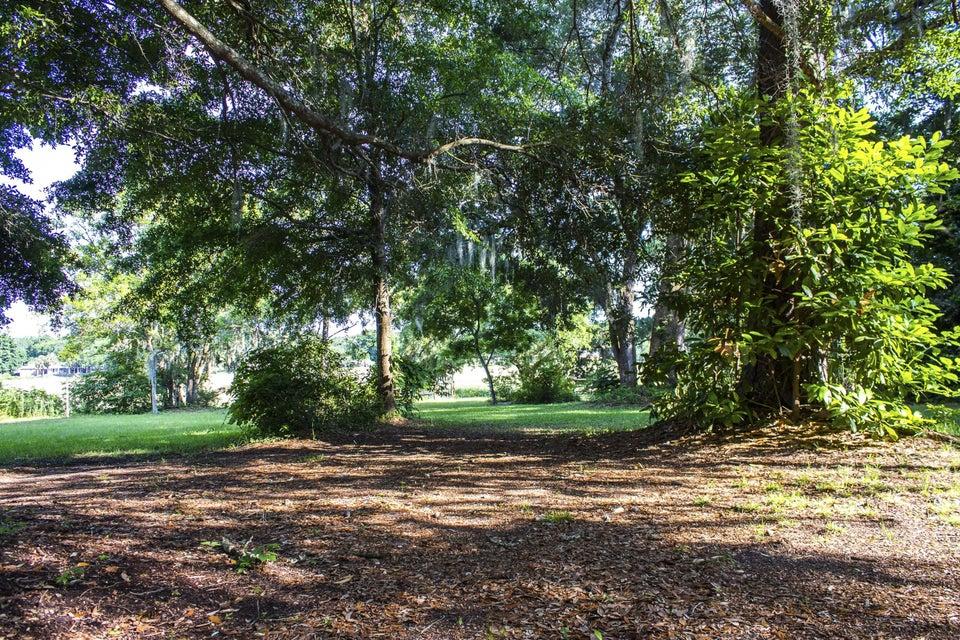 1113  Quiet Road Mount Pleasant, SC 29464