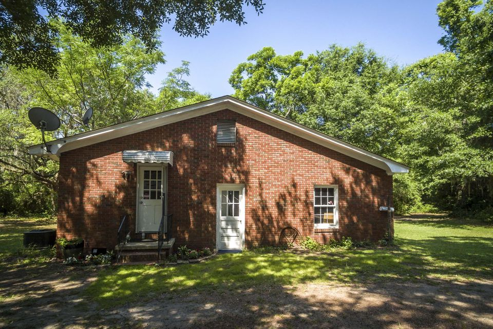 1113  Quiet Road Mount Pleasant, SC 29464