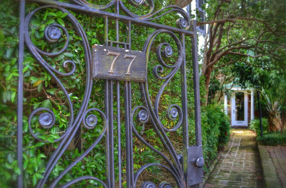 77  Tradd Street Charleston, SC 29401