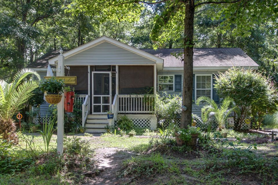 684 Eagle Street Mount Pleasant, SC 29464
