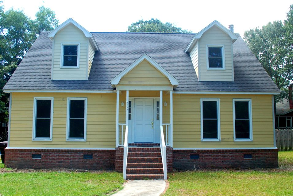 949  Pine Hollow Road Mount Pleasant, SC 29464