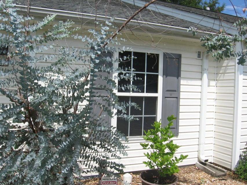 1653  Dexter Lane Charleston, SC 29412