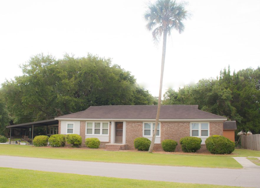 2706  Hartnett Boulevard Isle Of Palms, SC 29451