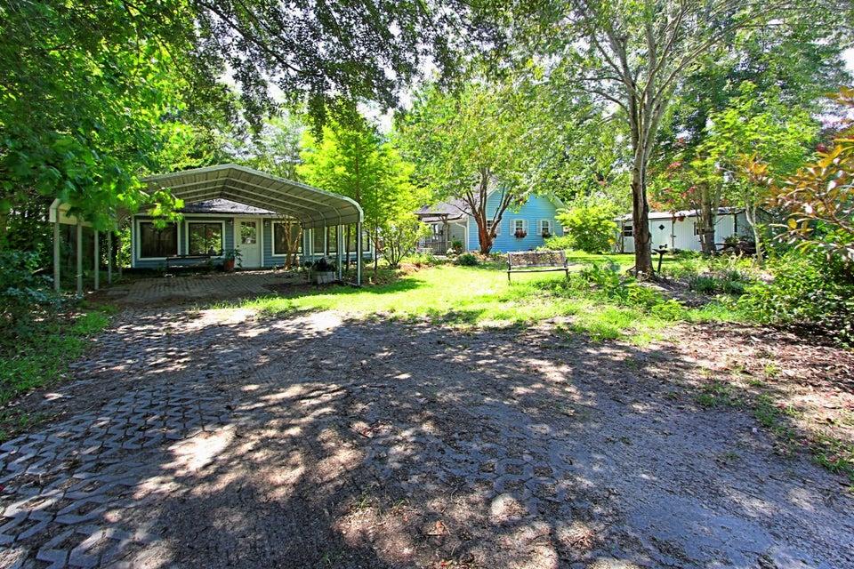 669  Lakeside Drive Moncks Corner, SC 29461