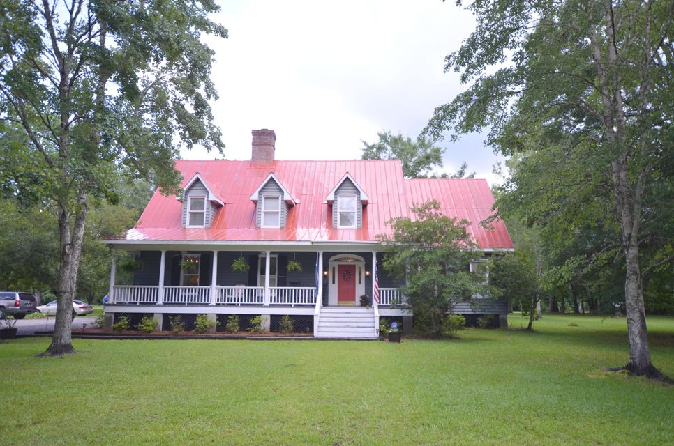 1622 Palmers Bridge Road Mcclellanville, SC 29458